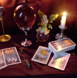 Julie Moore. Psychic & Tarot Reader